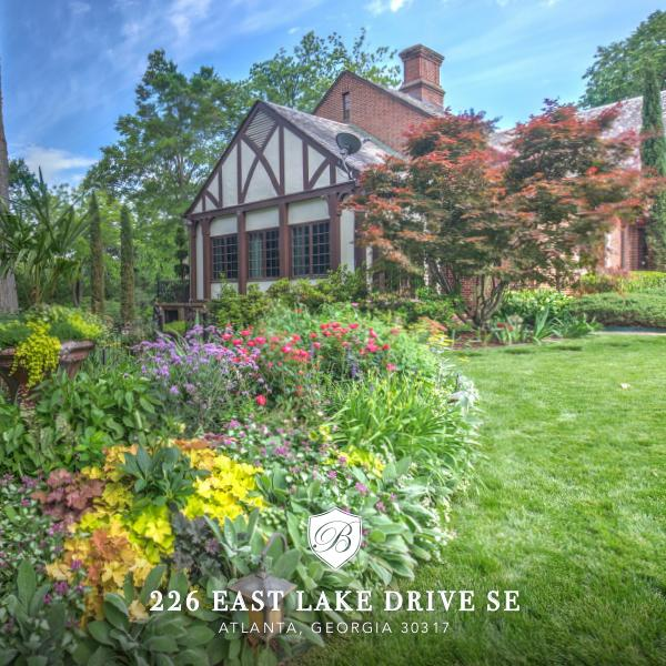 226 East Lake Drive SE 226 East Lake Brochure digital